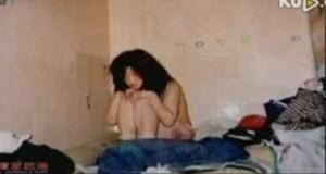 Tiểu Điền bị bạn trai 29 tuổi nhốt lỏng trong nhà.